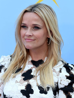 Reese Witherspoon nos presenta a su doble