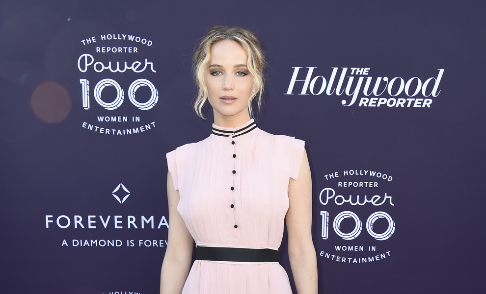 Jennifer Lawrence, estrella en la fiesta 'Women Power 100'